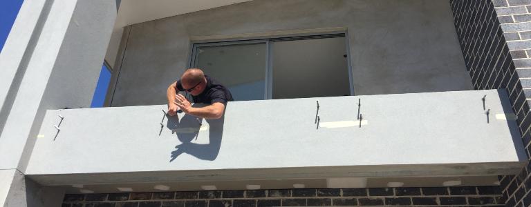 Glass balustrade installation